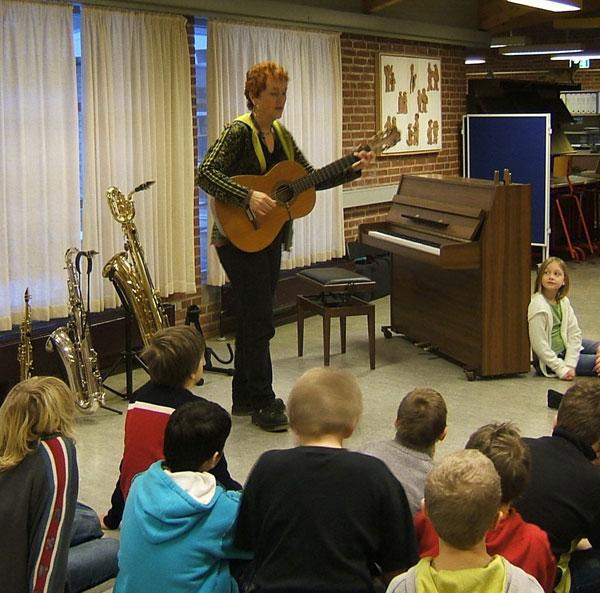 Hanne Rømer skolekoncert solo 2004